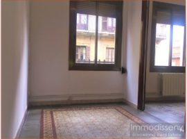 Ref. 3819 Spacious house for rent in the Center of Gràcia