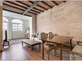 Ref. 1135 Spectacular apartment with terrace of 35m2 completely renovated in Sants.