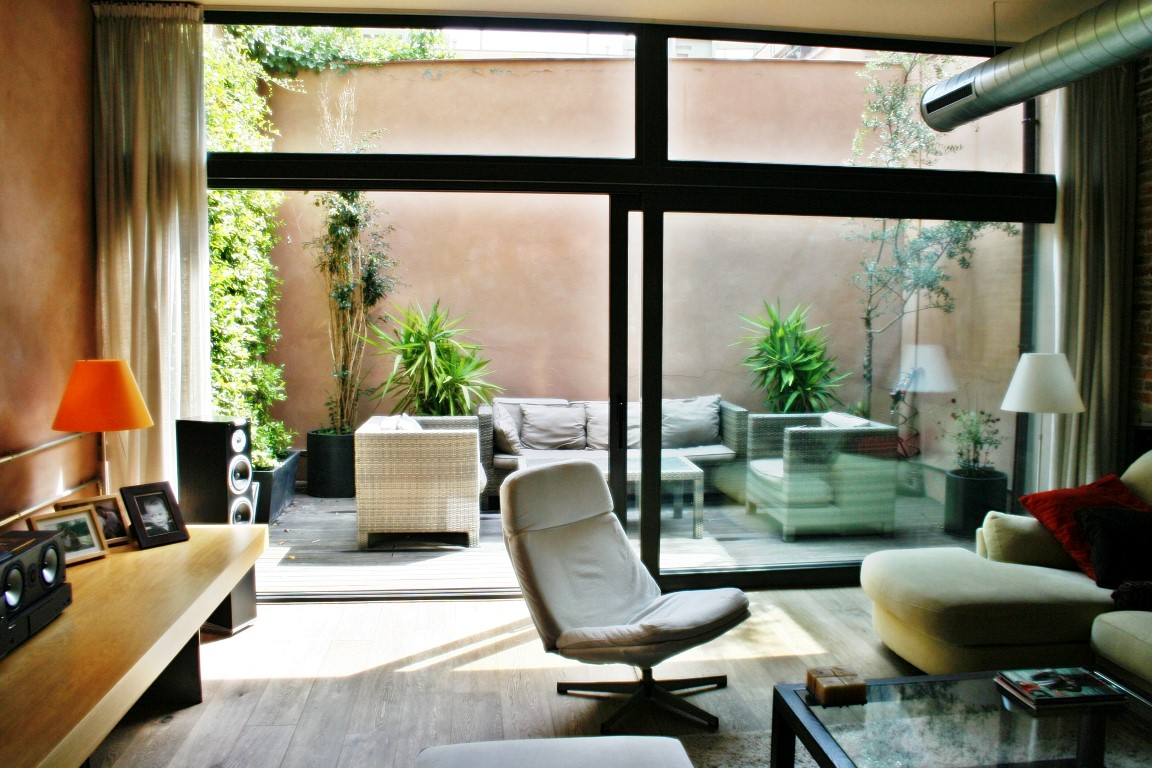 loft vendre barcelona sant gervasi conception avec terrasse et parking ofertas pisos y. Black Bedroom Furniture Sets. Home Design Ideas
