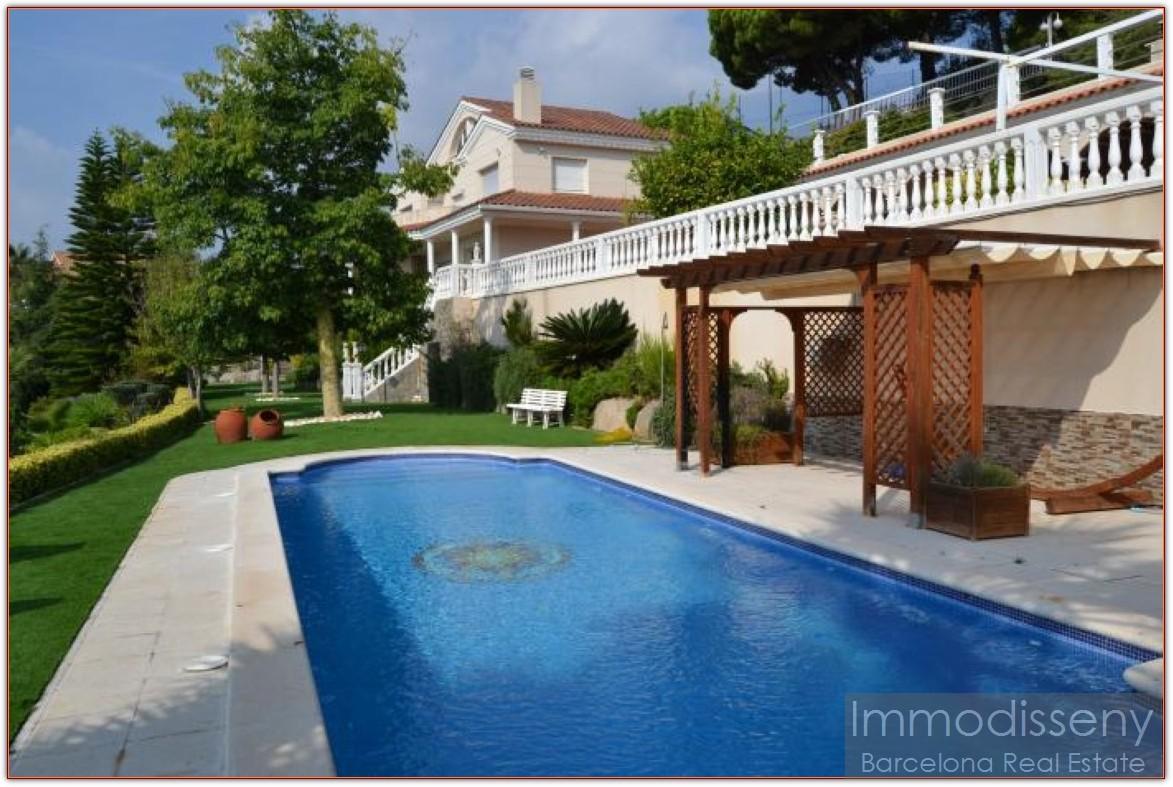 Casa en venta maresme premi de dalt exclusiva y for Casas grandes con jardin y piscina