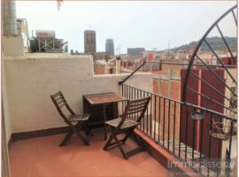 Ref. 3935 Fantastic modern and cozy penthouse for rent fully equipped in Barri Gotic.